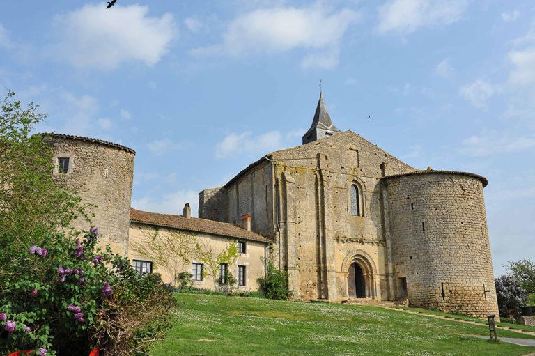 Église Notre Dame et Saint-Cyprien - Château Larcher