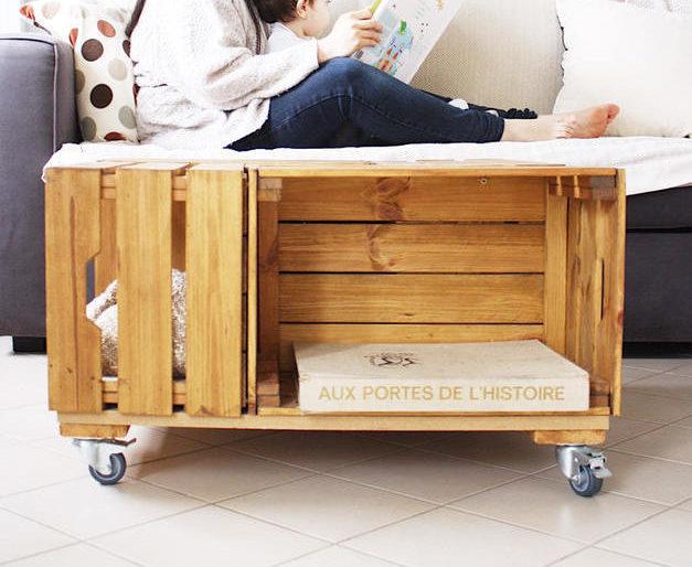 DIY TABLE CAISSE EN BOIS ©www.ourlittlekosmos.com/