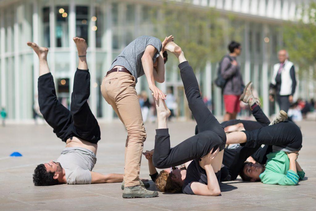 écouvrez l'univers d'artistes du Festival À Corps en dansant ! @FestivalACorps et le @TAP